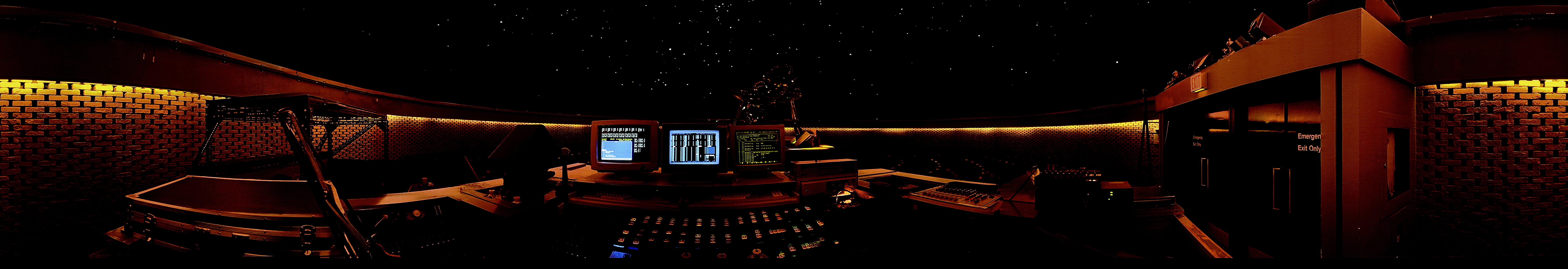 File:McLaughlin Planetarium Star Theatre 360 Panorama.jpg - Wikimedia ...
