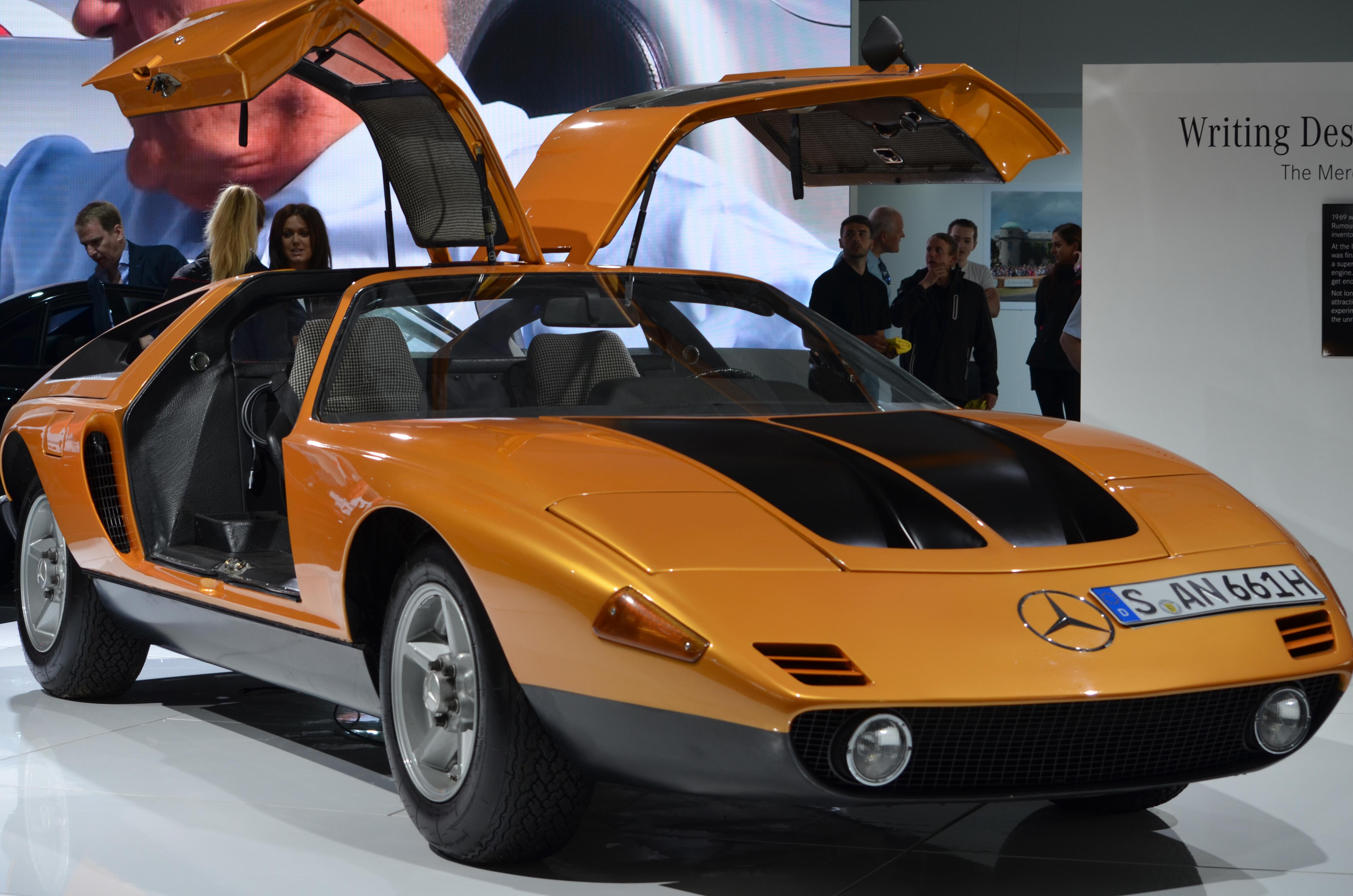 Mercedes_Concept_Car_(19817243989).jpg