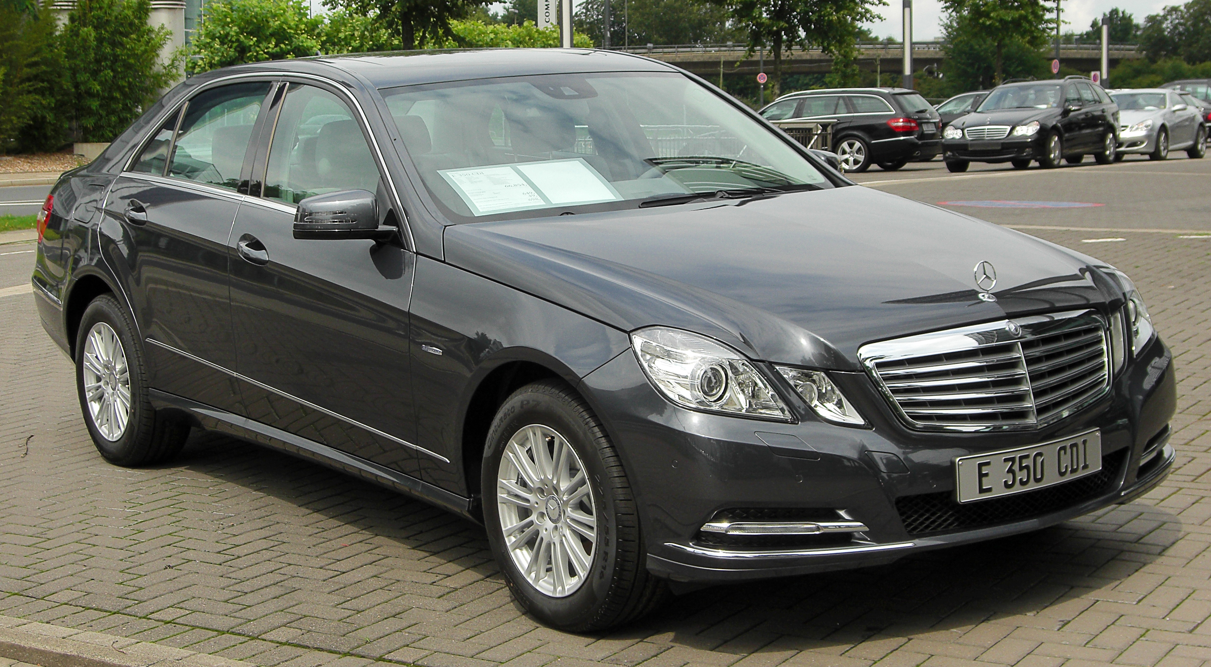 file mercedes e 350 cdi blueefficiency elegance w212 front wikimedia commons. Black Bedroom Furniture Sets. Home Design Ideas