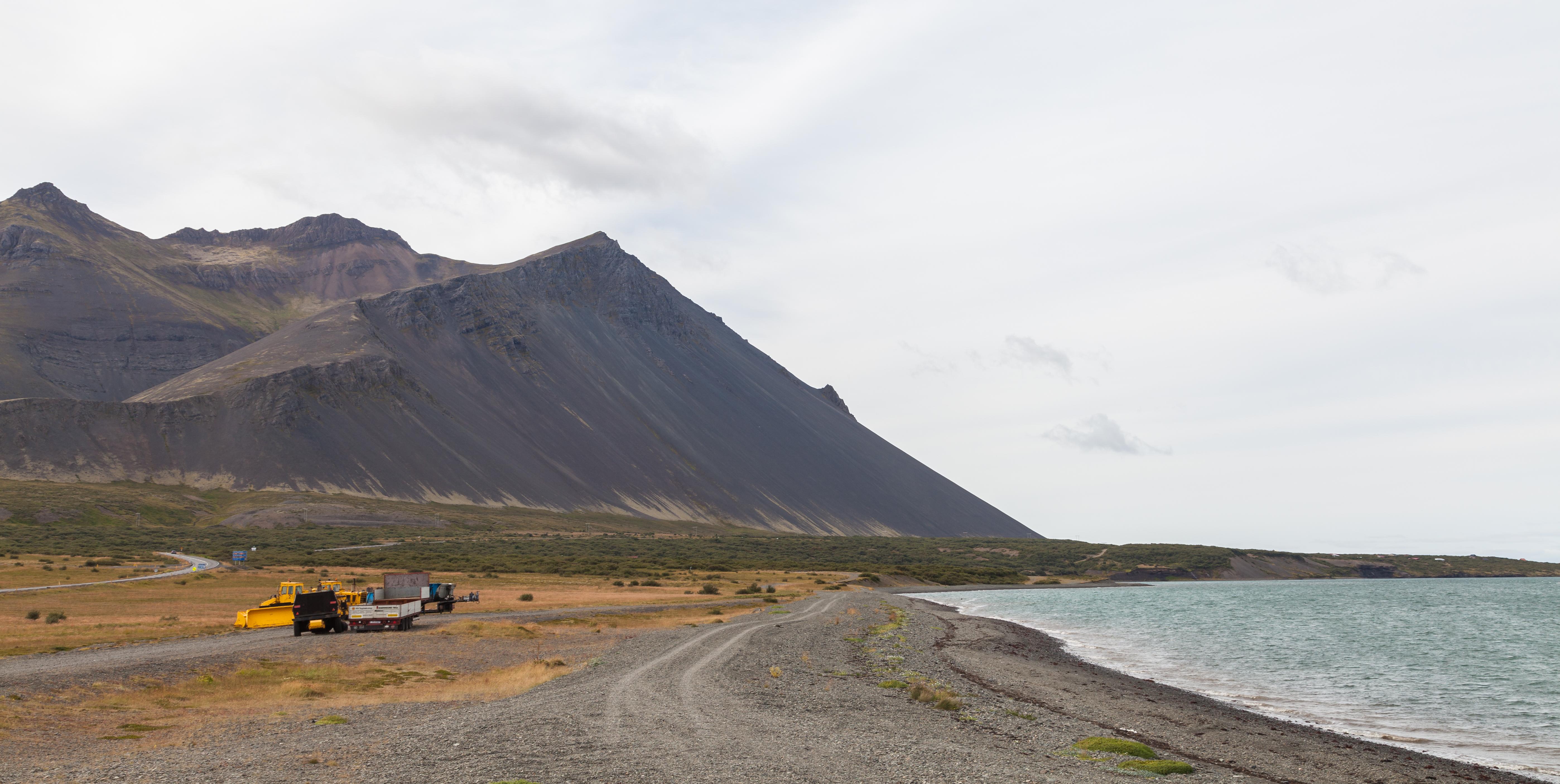 Dosieromontaña Volcánica Akrafjall, Vesturland, Islandia
