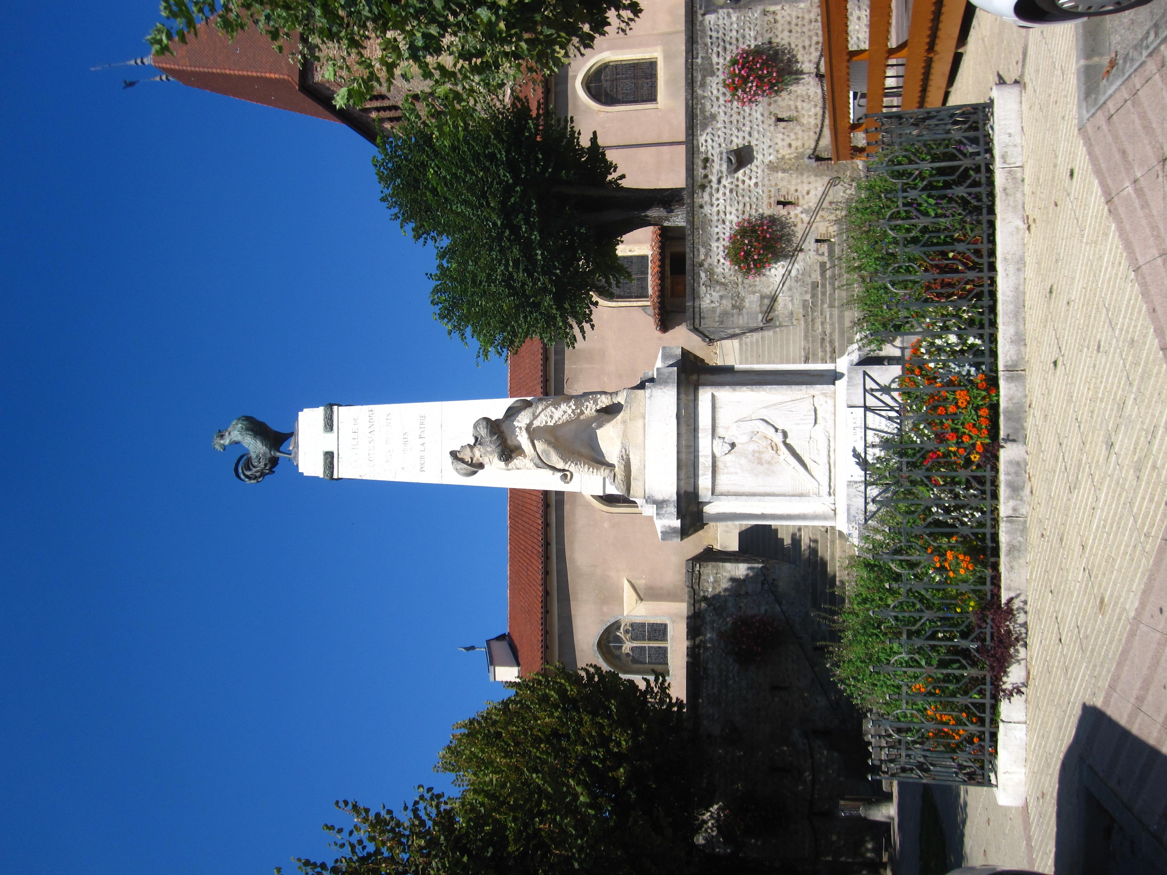 File monument aux morts de la c te saint andr jpg for Piscine la cote st andre