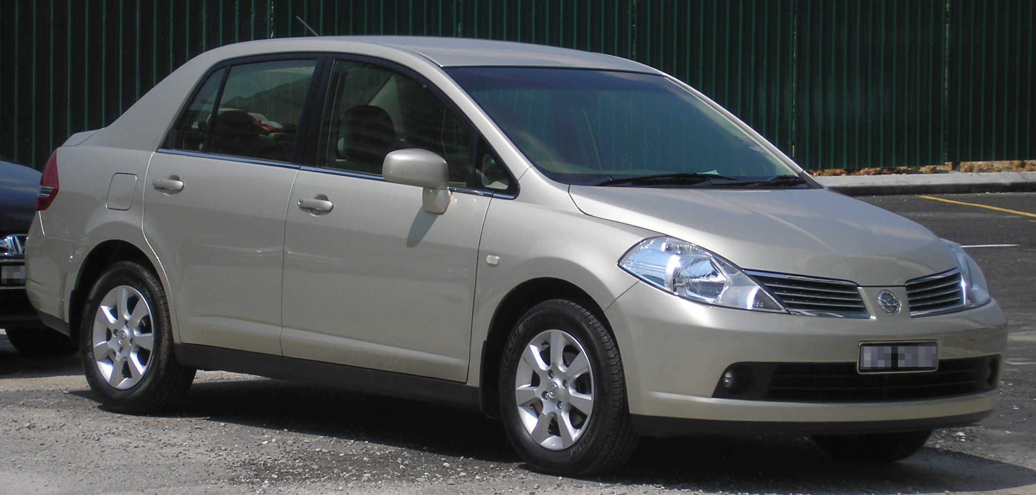File Nissan Latio Sedan First Generation Front
