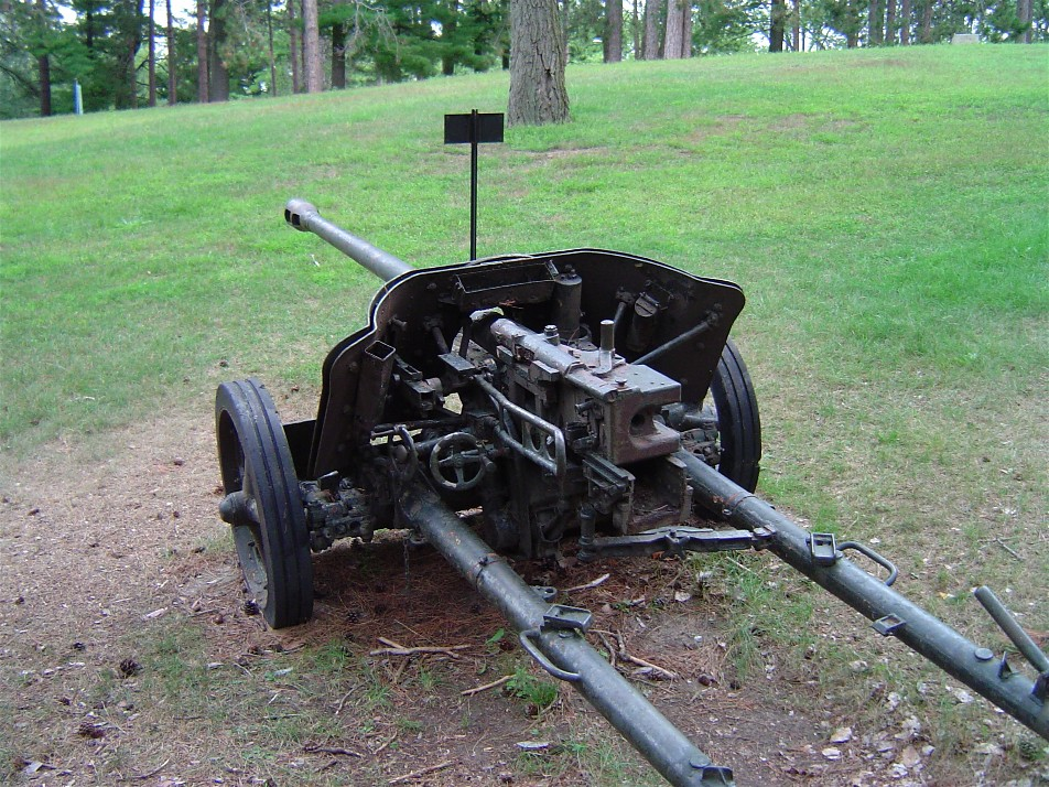 German 50 Mm Anti Tank Gun: File:Pak38 Cfb Borden 3.JPG