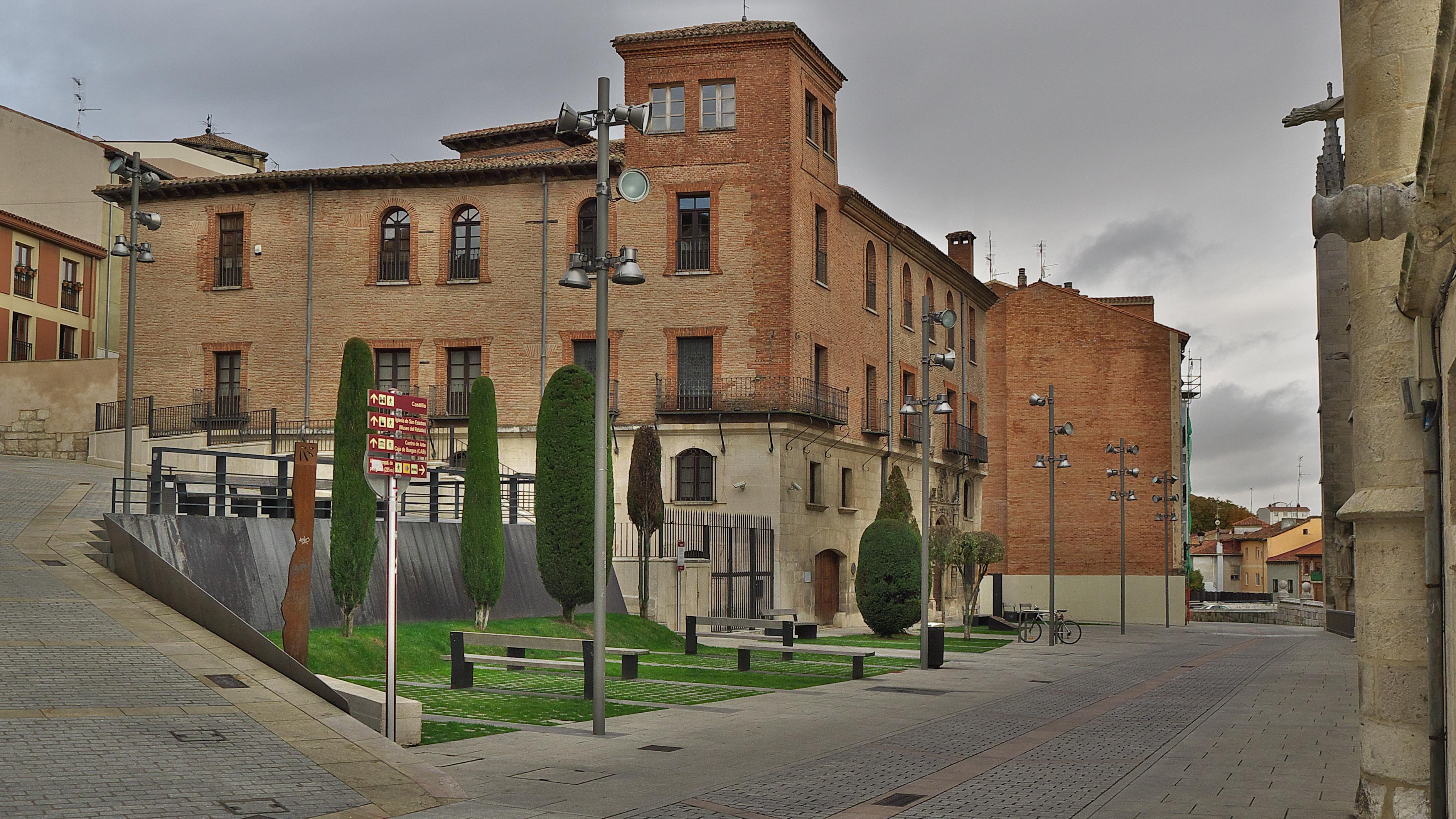 File:Palacio de Castilfalé. Burgos.jpg - Wikimedia Commons