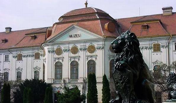 Episcopal palace, Oradea