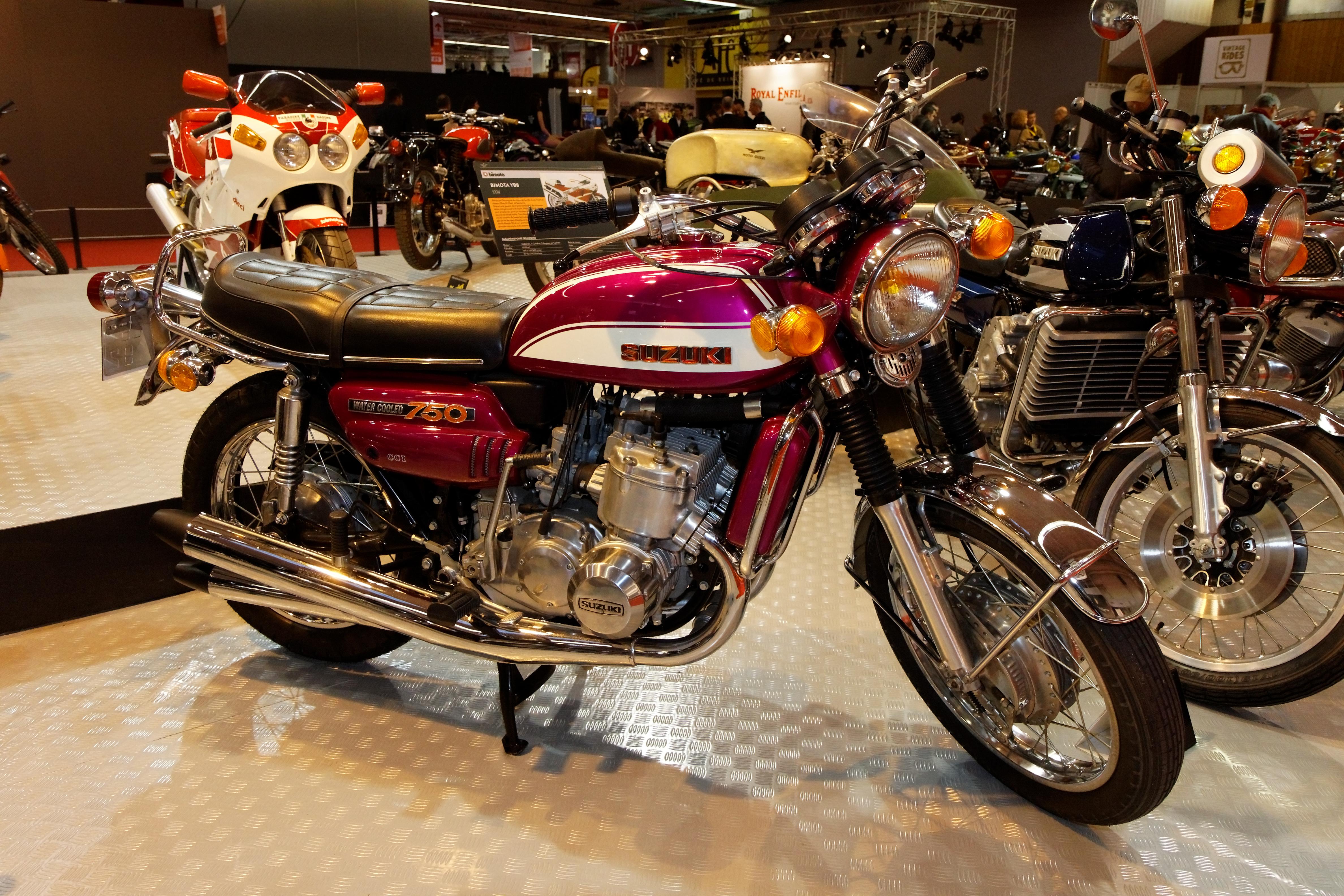 File paris salon de la moto 2011 suzuki gt 750 001 for Salon ce paris