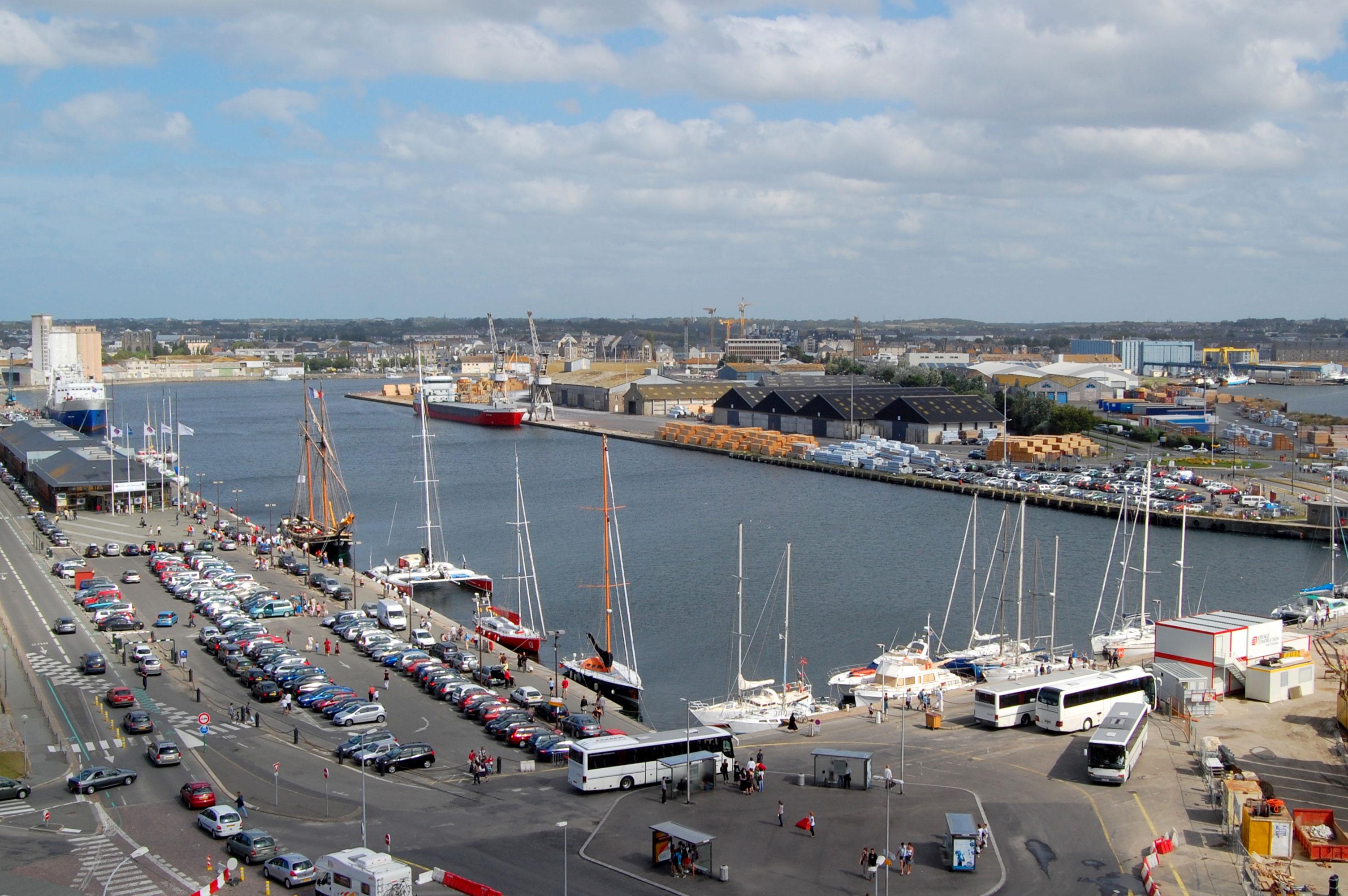 file port de malo dsc 6283 jpg wikimedia commons