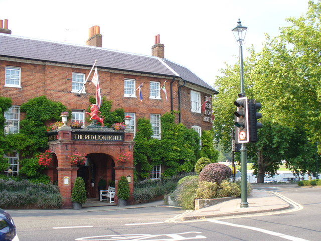 File Red Lion Hotel Henley Geograph Org Uk 526470 Jpg Wikimedia Commons