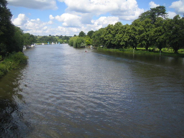 River Thames at Cookham - geograph.org.uk - 491882