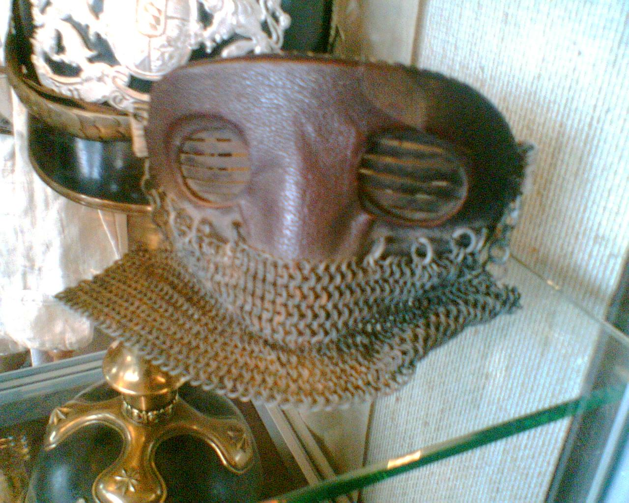 http://upload.wikimedia.org/wikipedia/commons/4/41/Tank_Mask_WWI.jpg