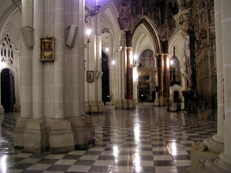 [Image: Toledo_Cathedral_indoor2.jpg]
