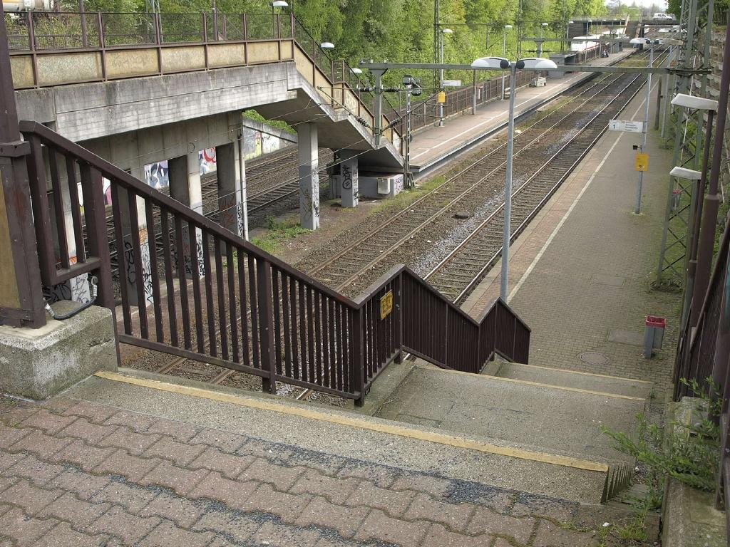 Treppen Dortmund file treppen haltepunkt wuppertal langerfeld der bahnstrecke