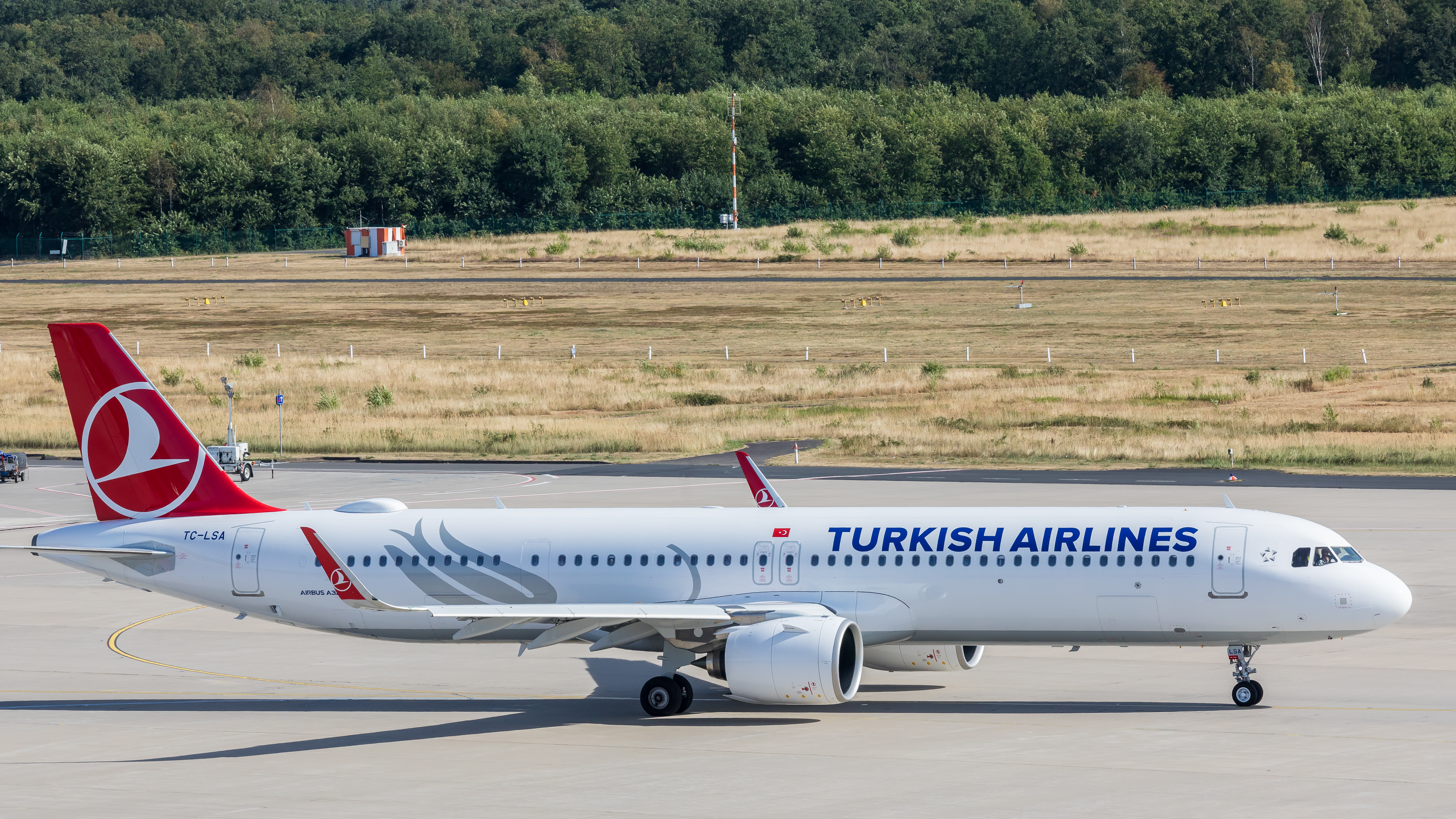 File:Turkish Airlines - Airbus A321-271NX - TC-LSA - Cologne