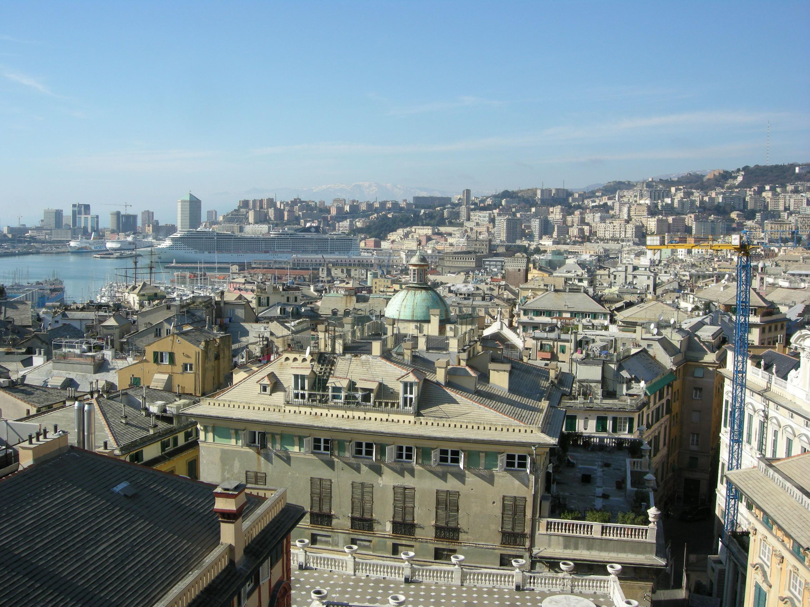 File veduta dalla terrazza sul tetto di palazzo rosso 11 jpg wikimedia commons - Terrazza sul tetto ...