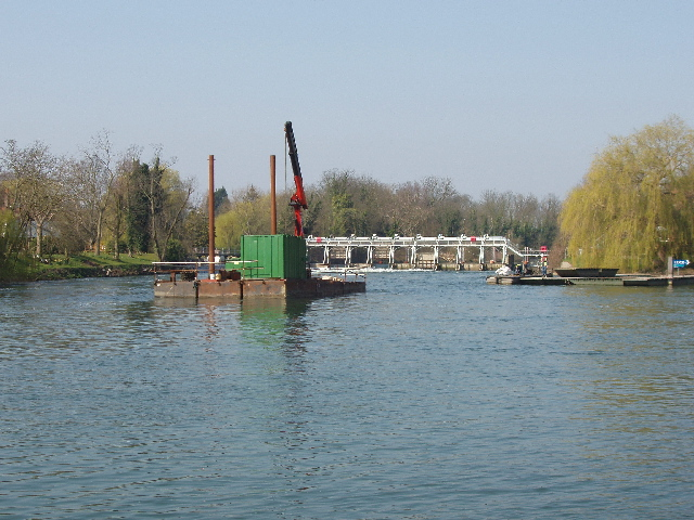 File:Works on the Thames at Bray Lock - geograph.org.uk - 383277.jpg