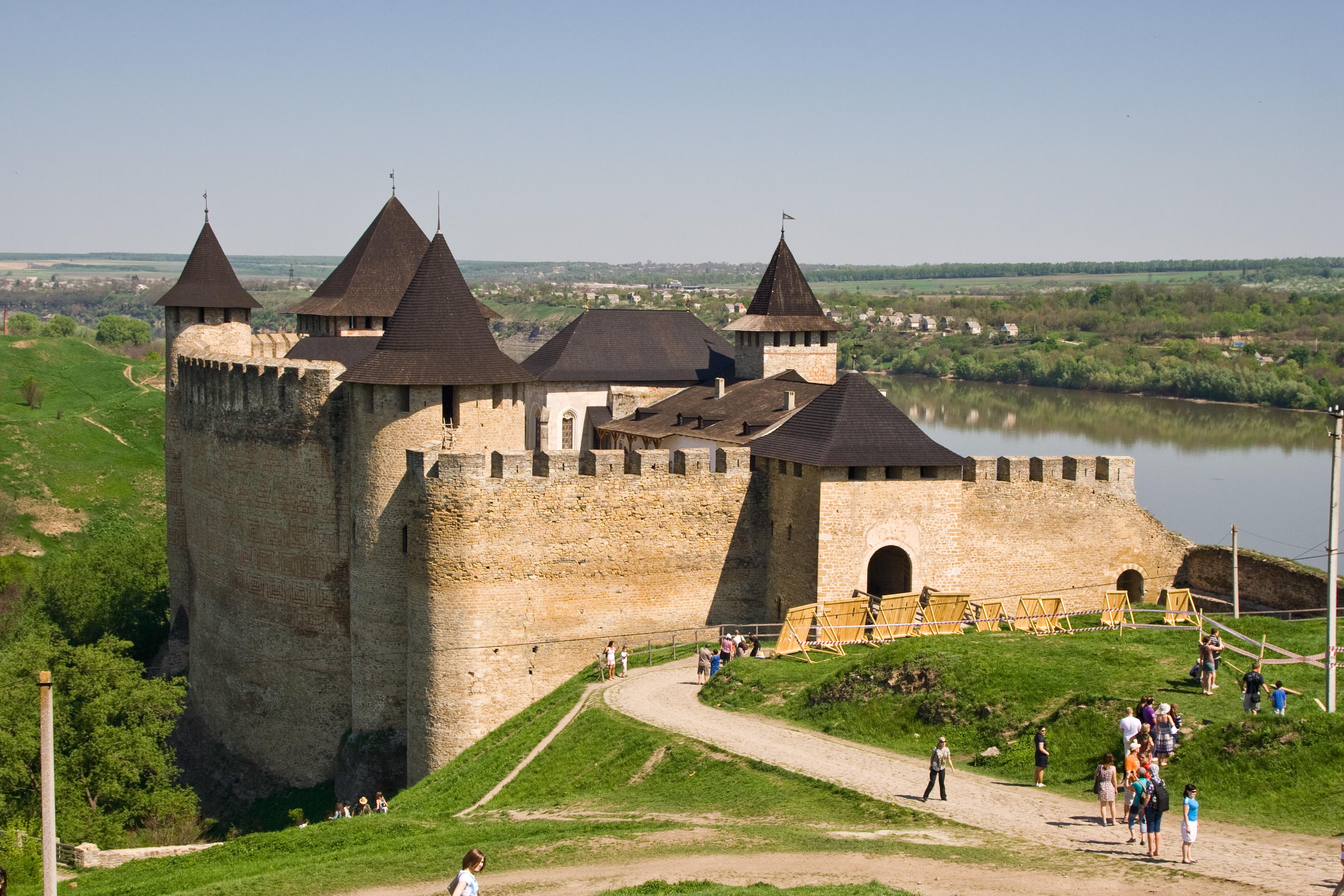 Файл:Хотинська фортеця. Загальний вид.jpg — Вікіпедія