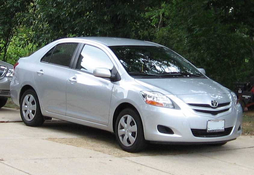 Toyota Yaris sedan Pictures