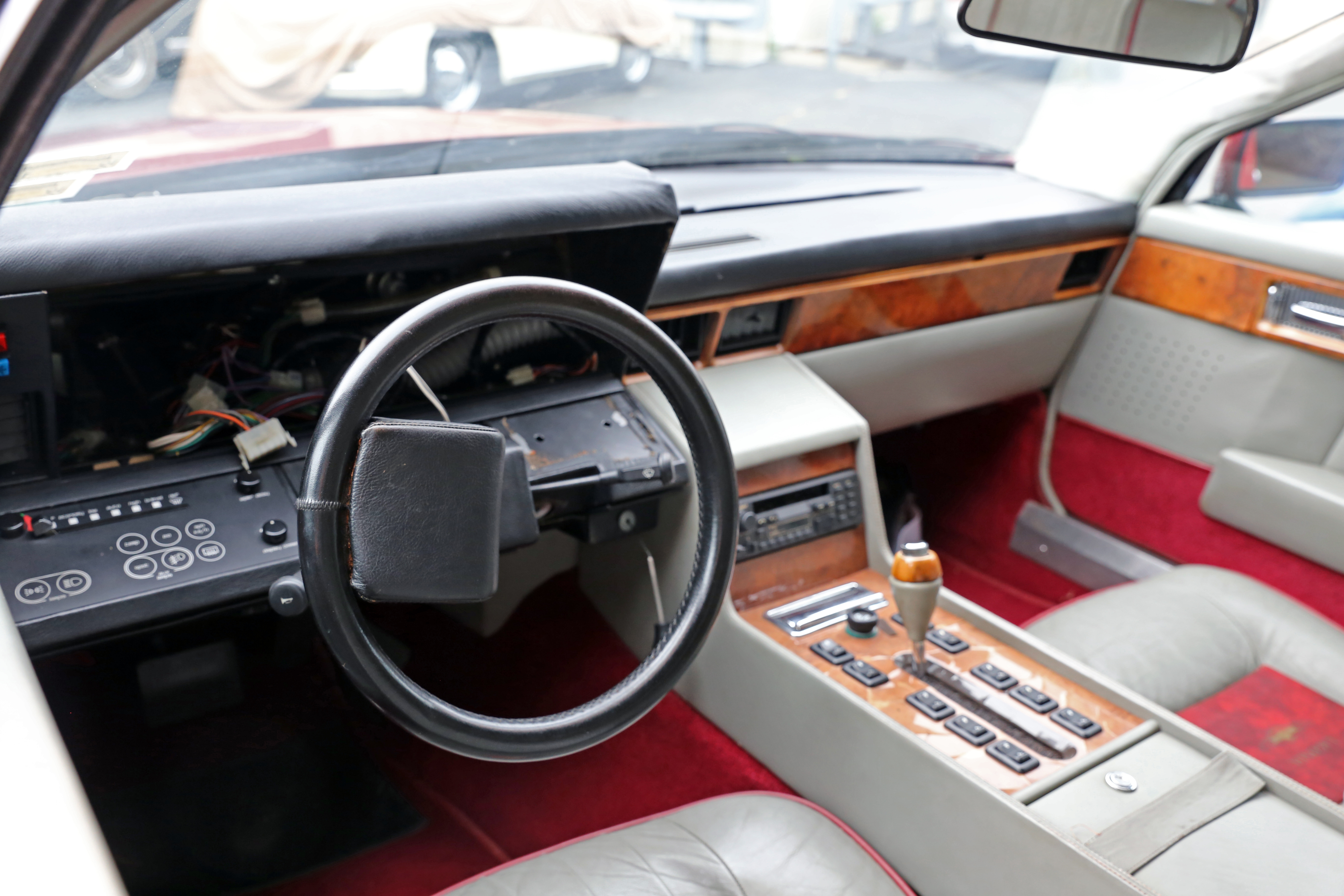 File 1984 Aston Martin Lagonda But Where S The Dashboard