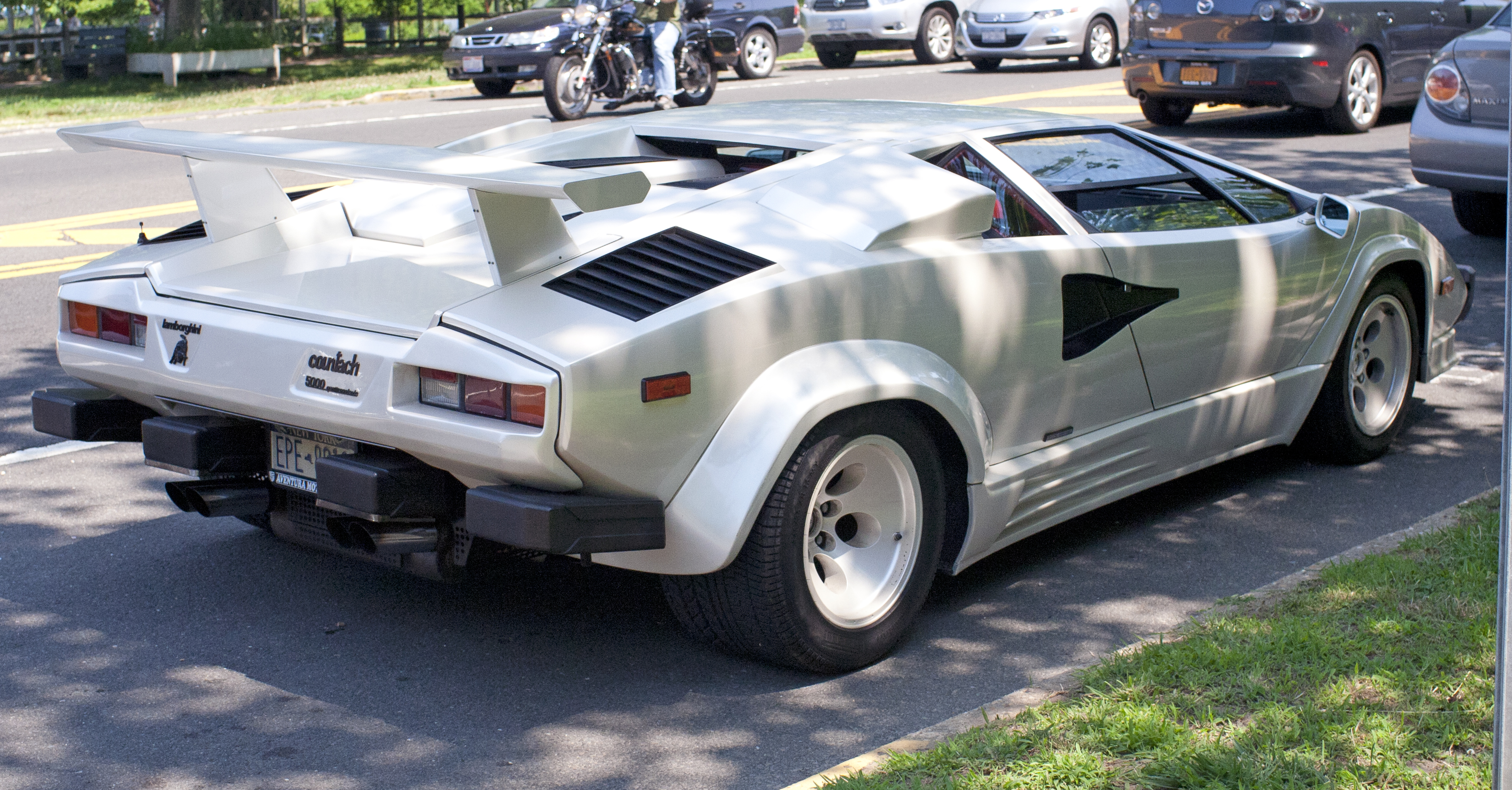 File 1988 Lamborghini Countach 5000 Qv Federal Jpg Wikimedia Commons