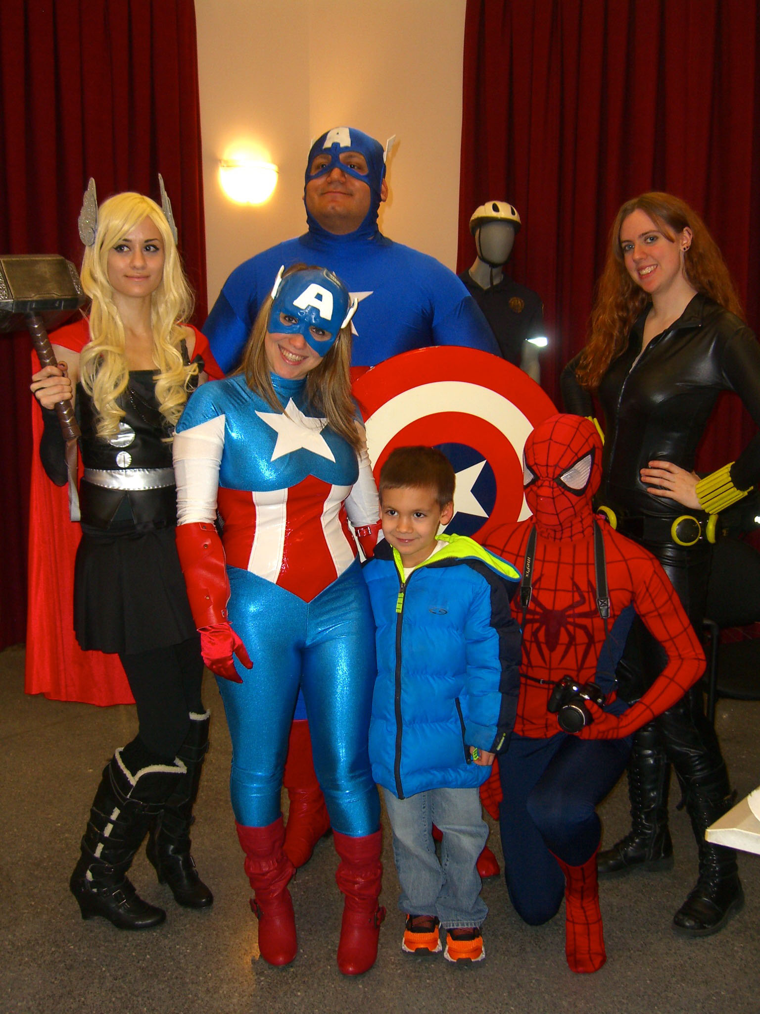 2.3.13CosplayersByLuigiNovi10.jpg English: Superhero cosplayers on Day 2 of the first annual Artists Assemble! comics festival at the William