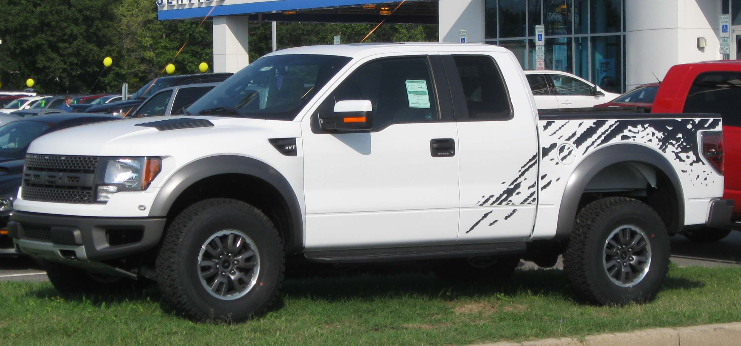 Description 2010 Ford F-150 Raptor -- 08-26-2010.jpg