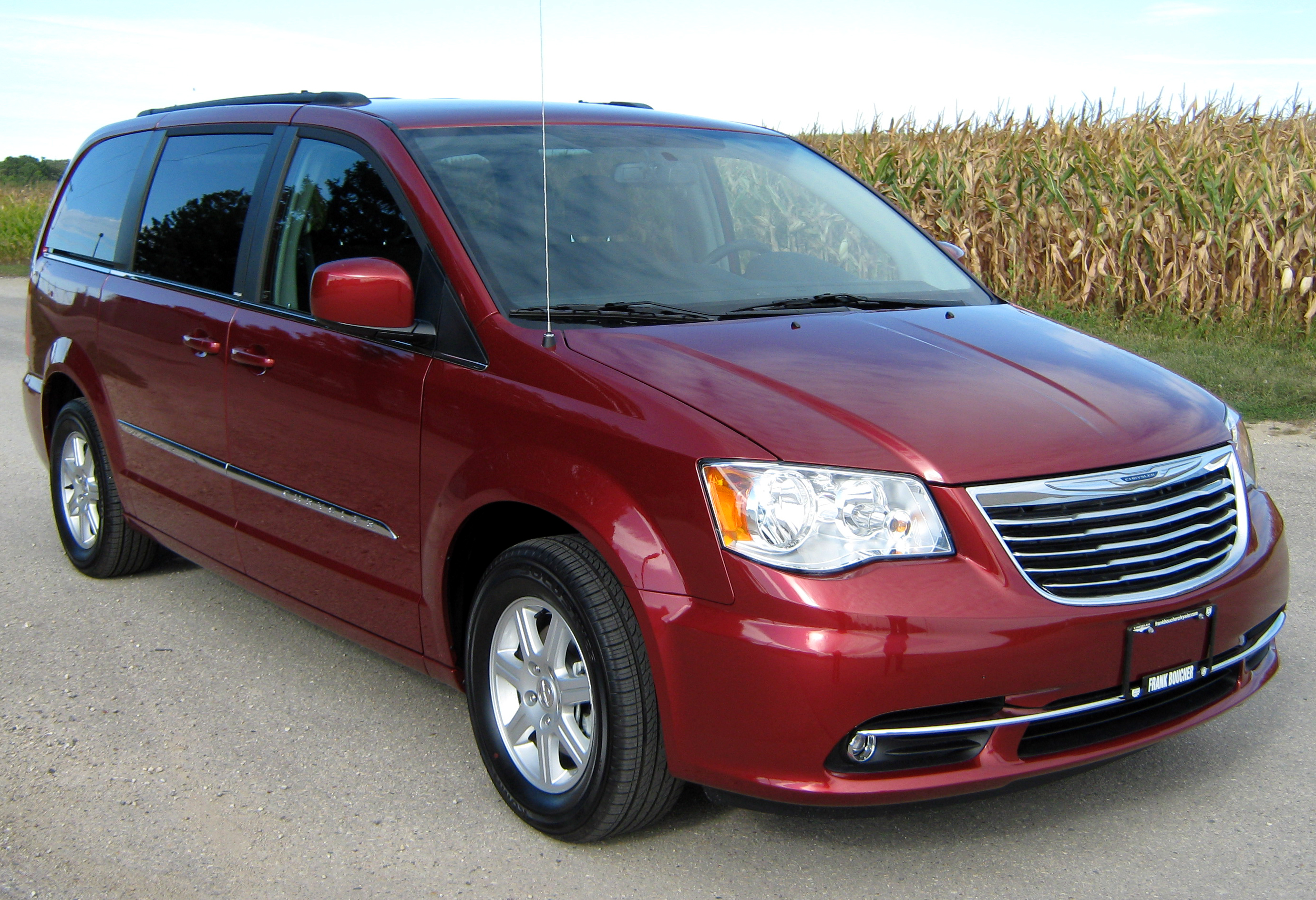 file 2012 chrysler town country touring wikimedia. Cars Review. Best American Auto & Cars Review