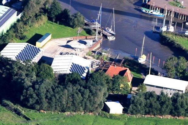File:2017 02 26 Werft Neuhaus Ausschnitt 2 kompr Aerial photograph 60D 2013 09 29 9494.JPG