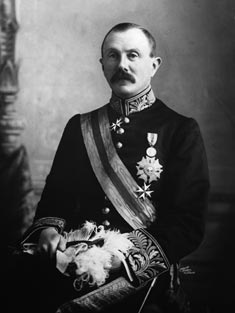 Uchter Knox, 5th Earl of Ranfurly British Colonial administrator