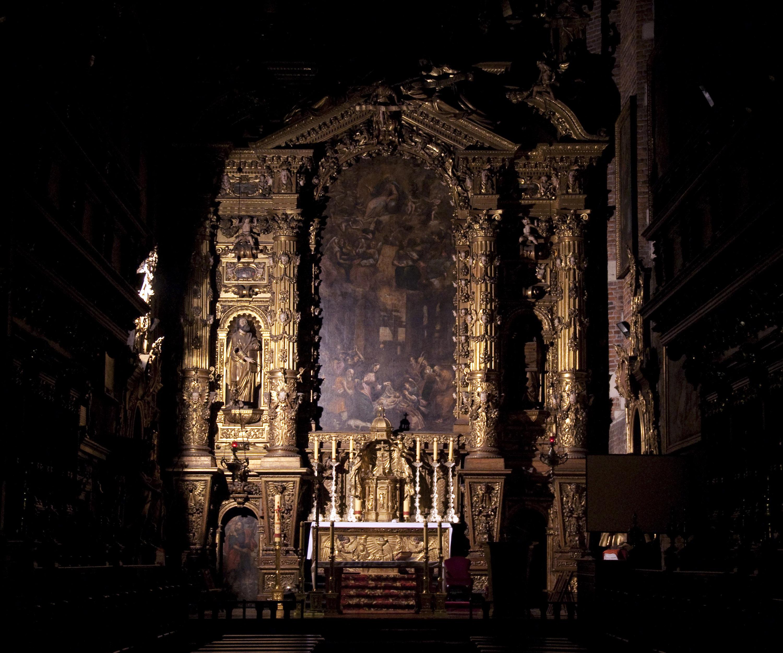 [Image: Altar_of_Corpus_Christi_church_in_Krakow_01_AB.jpg]
