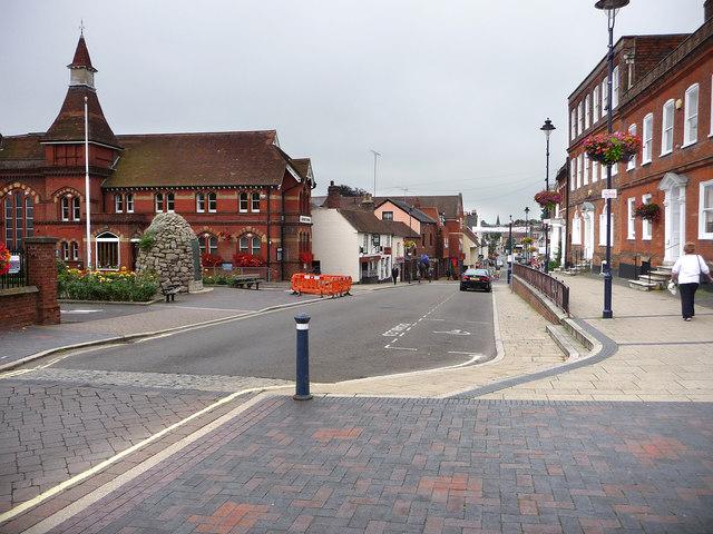 Alton High Street - geograph.org.uk - 1454532