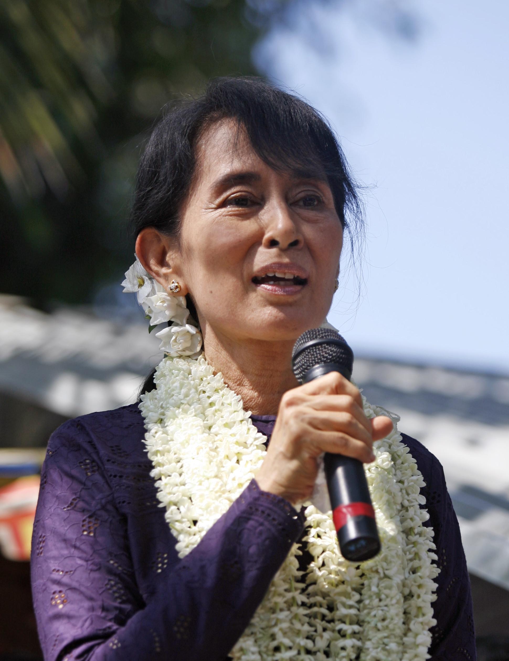 Aung San Suu Kyi rasis terhadap Muslim, petisi digulirkan