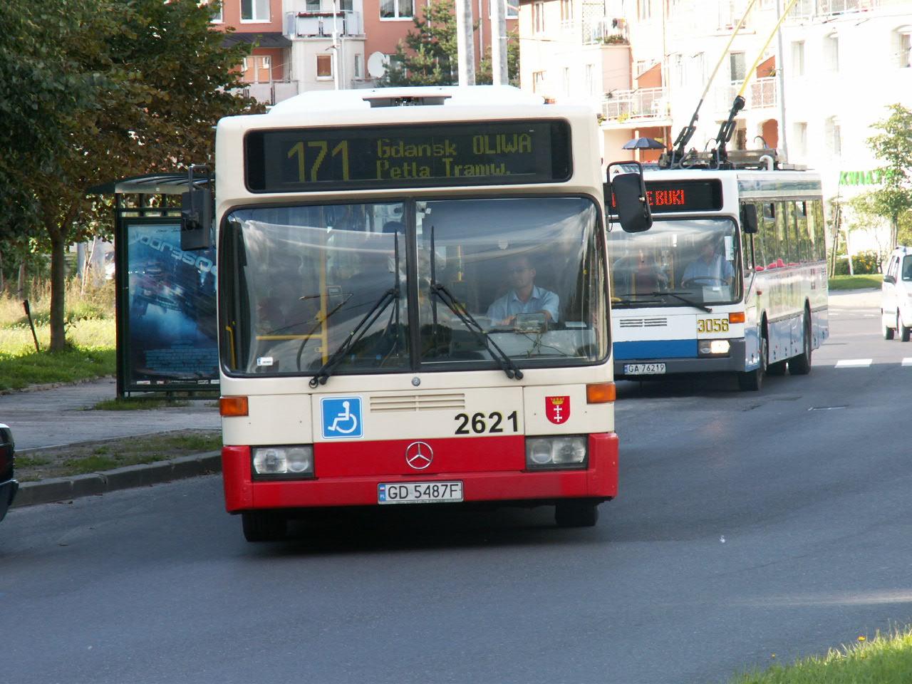 File:Autobus.linii.171.przystanek.Kameliowa.2621-01.