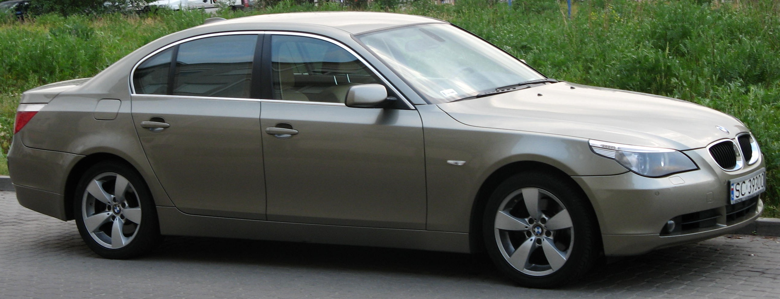 File:BMW E60.jpg - Wikipedia