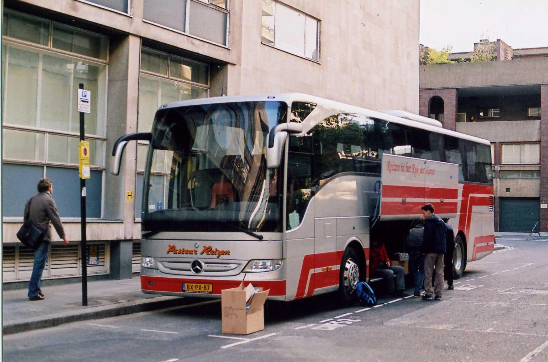 Mercedes Tourismo  Price