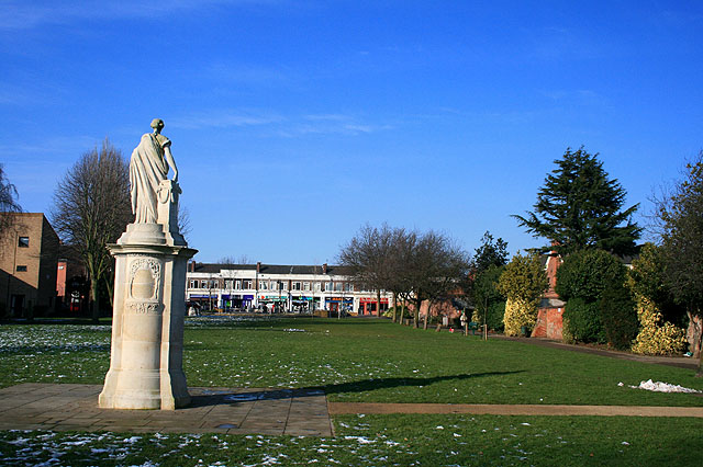 File:Beeston Boer War Memorial and Boardgate Park - geograph.org.uk - 1176398.jpg