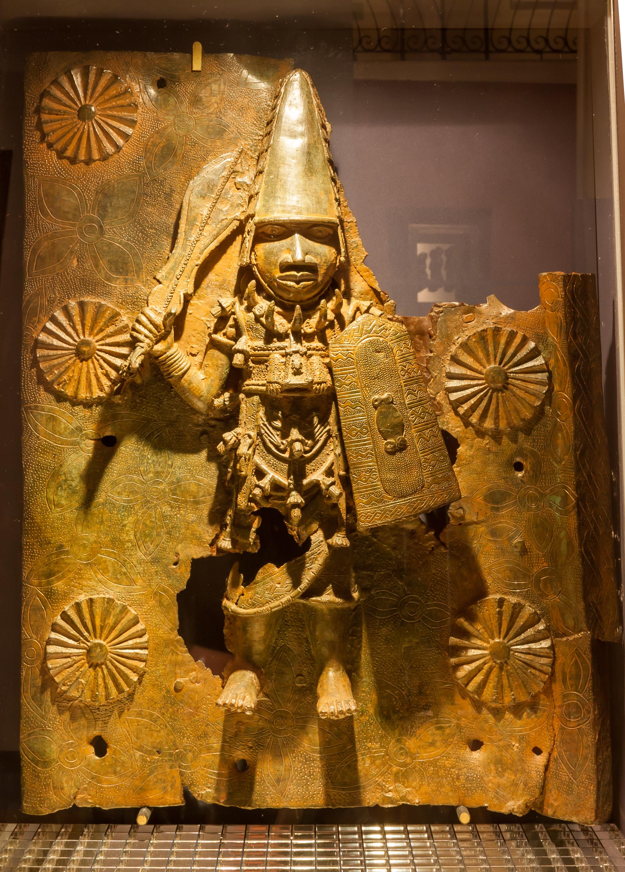 File:Benin Bronzes, Horniman Museum.jpg - Wikimedia Commons
