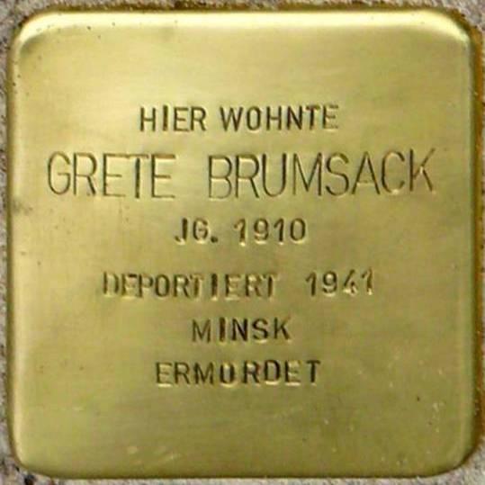 Stolperstein Meyerhofstraße 12 Brumsack Grete