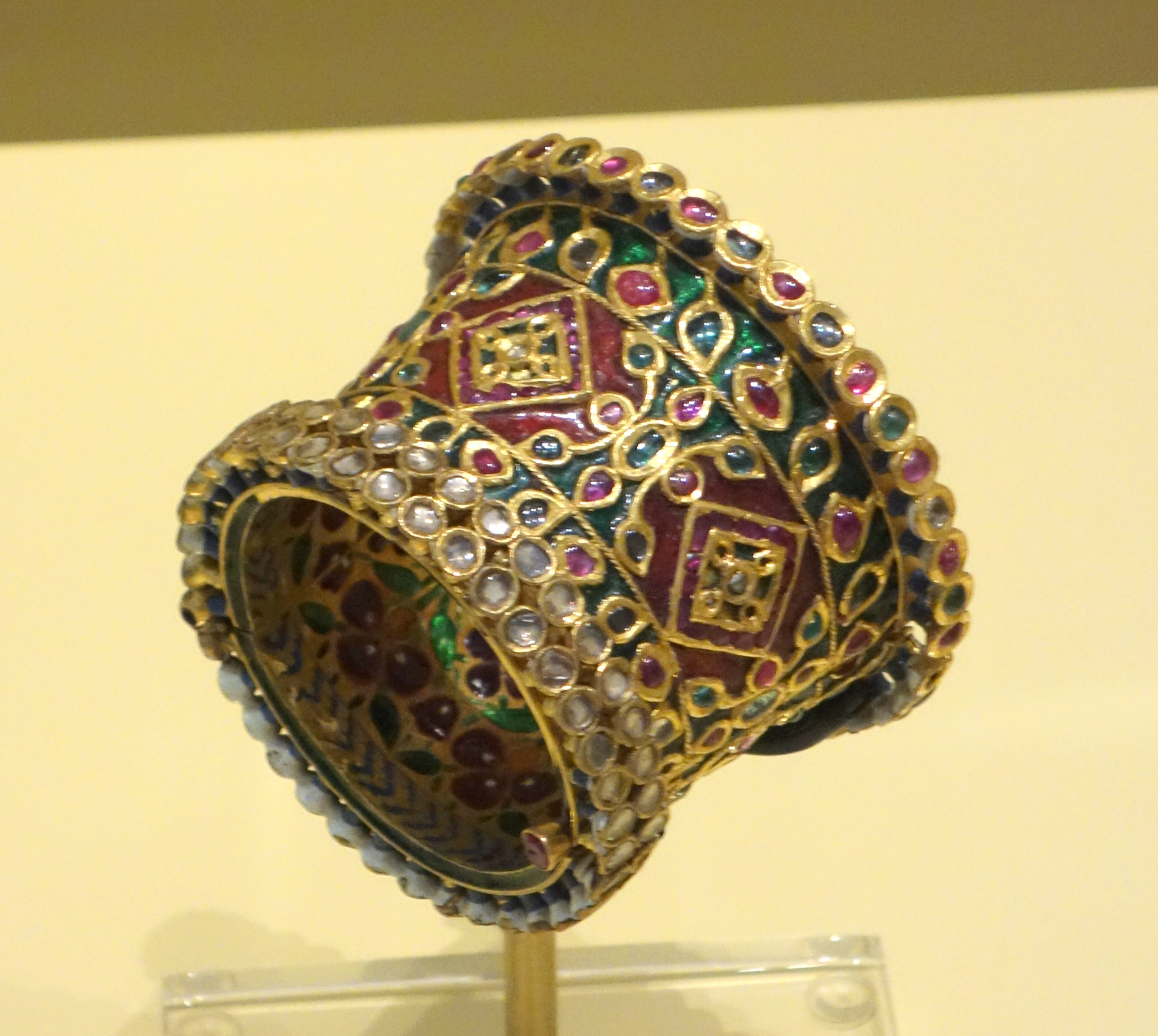 File:Bracelet, North India, Mughal period, 18th-19th ...
