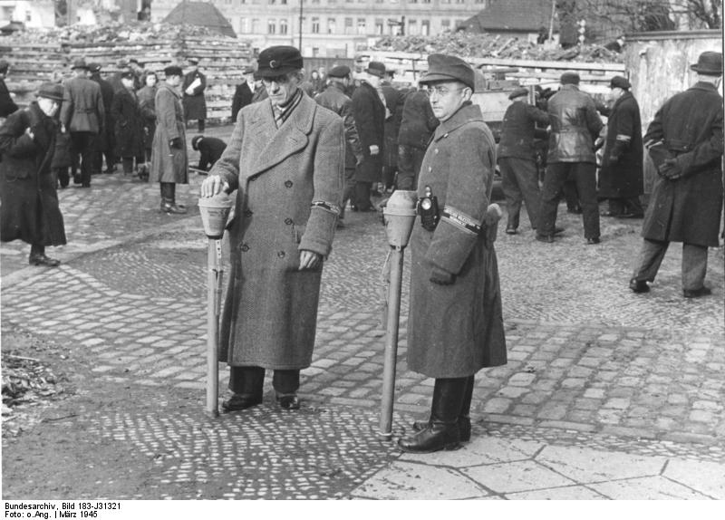 Bundesarchiv_Bild_183-J31321,_Berlin,_Ba