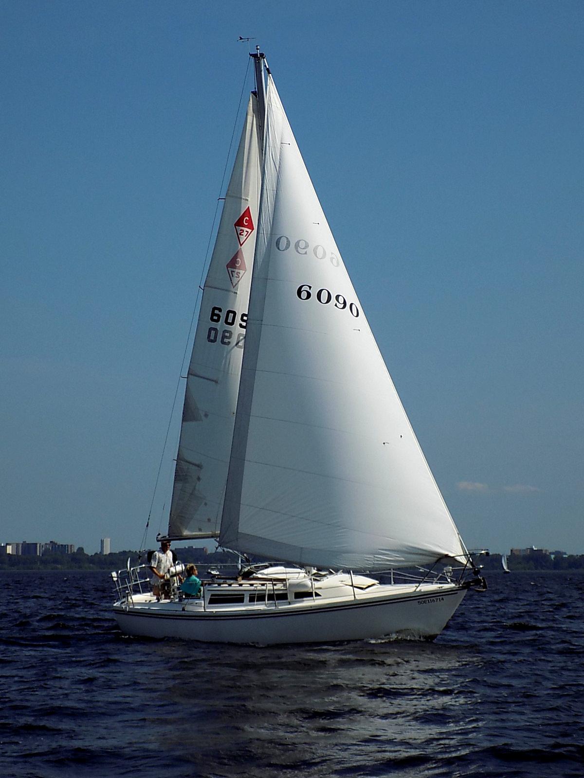 File:Catalina 27 sailboat 3766 jpg - Wikipedia