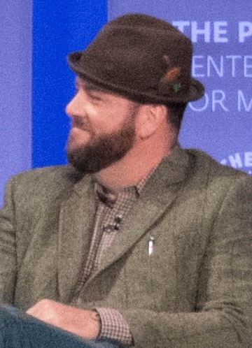 chris sullivan actor wikipedia