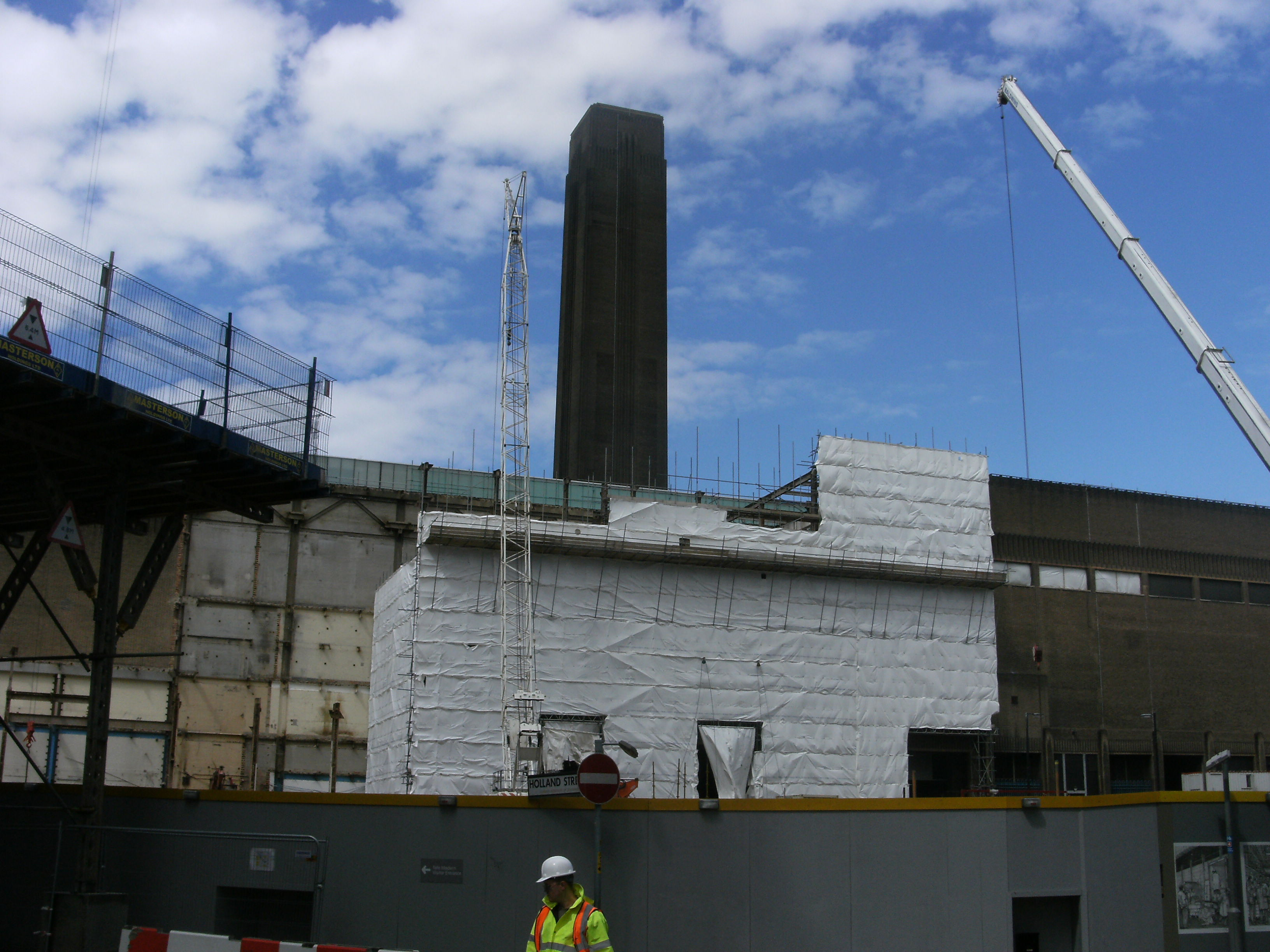 File construction of new building at tate modern london for Modern building construction