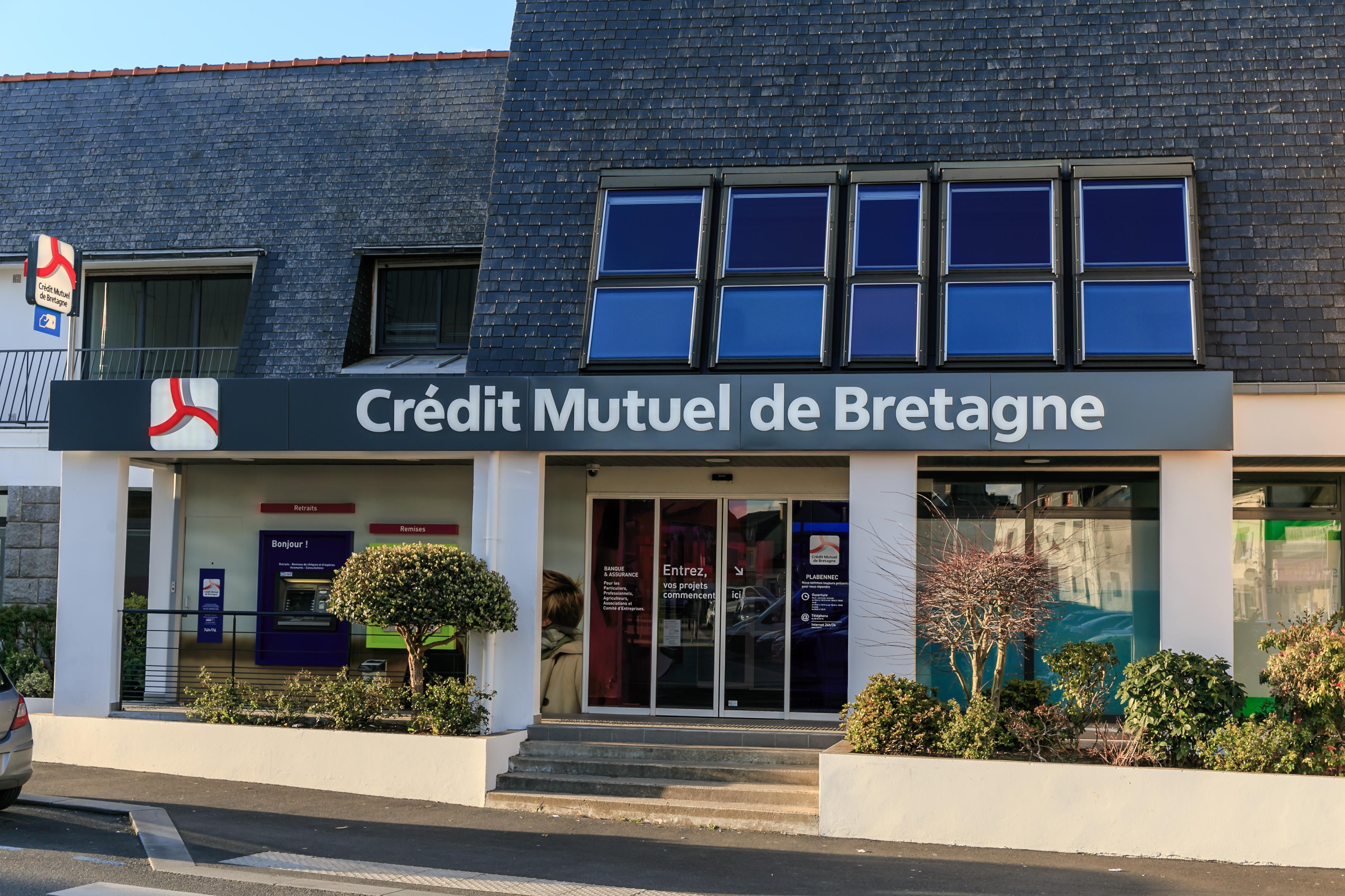 File:Crédit mutuel de Bretagne agence Plabennec.jpg - Wikimedia Commons