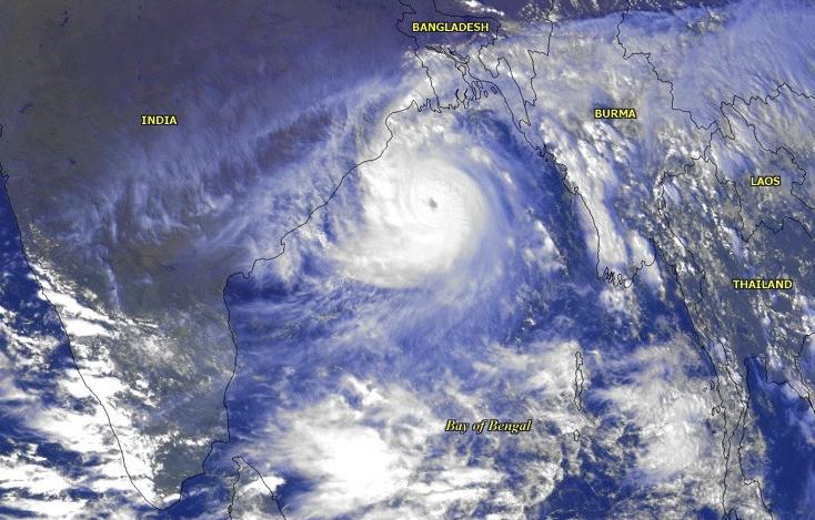File:Cyclone 05B 1999 India Bay of Bengal satellite image NOAA cropped.jpg
