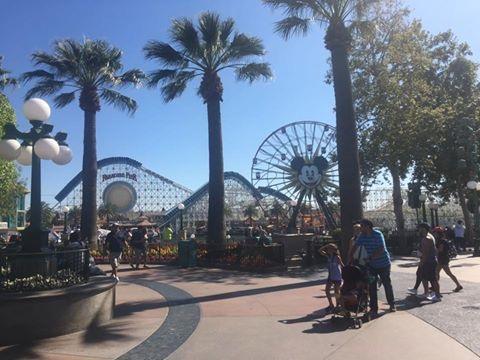 File:Disneyland Los Angeles.jpg