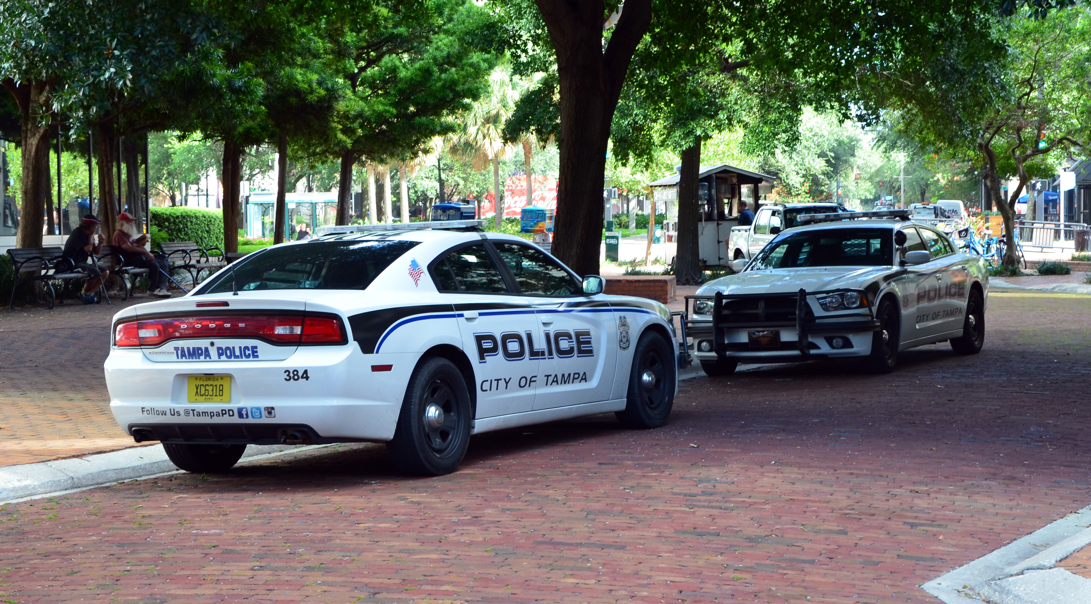 File:Dodge Charger Tampa Police 2
