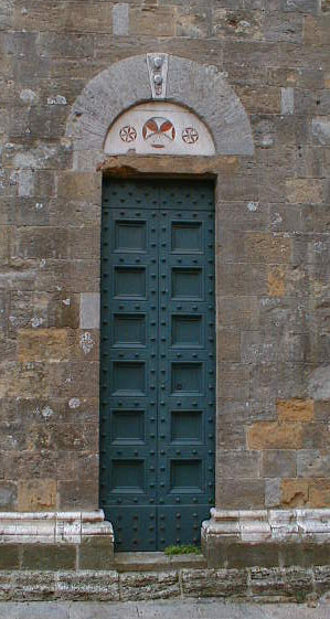 Doors in volterra
