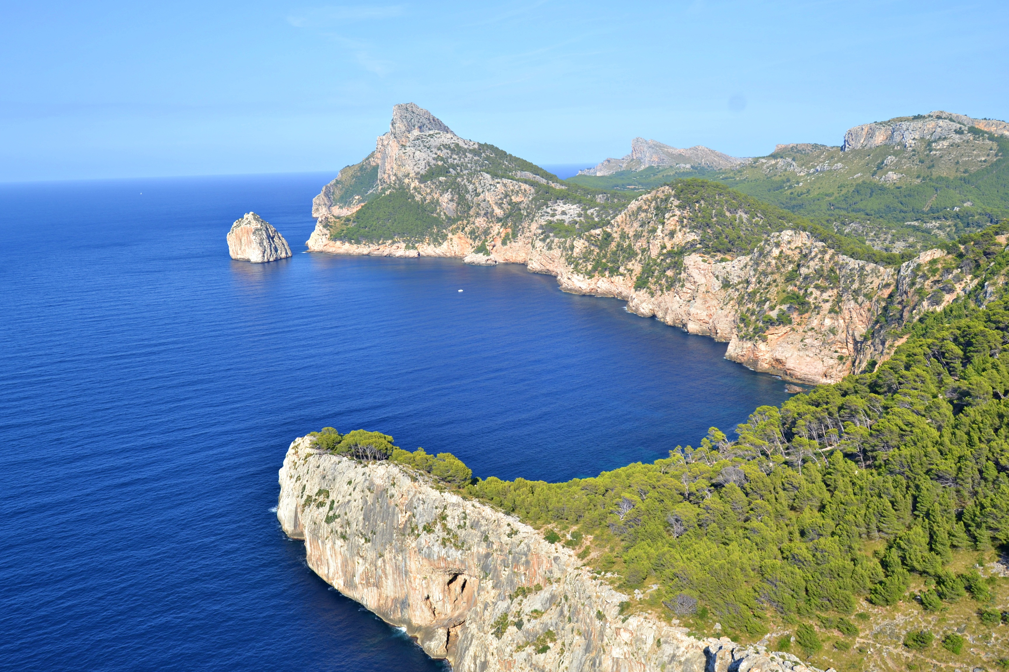 File:Es Cap de Formentor, Serra de Tramuntana, Pollença, Mallorca.JPG -  Wikimedia Commons