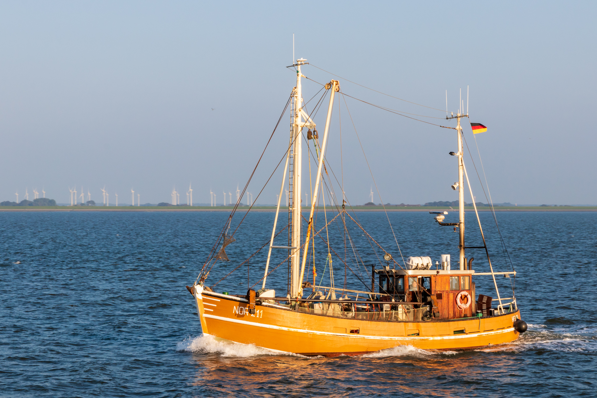File:Fischkutter-msu-0233.jpg - Wikimedia Commons