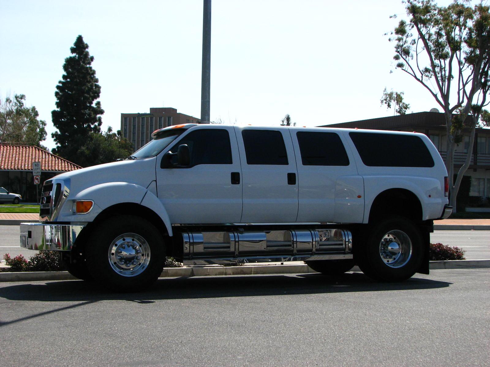 Ford F650 4x4 Truck